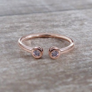 ERYTHEOSE ZIRCON ROSE GOLD RING