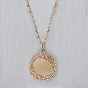 TO ENGRAVE BEADED MEDAL GOLD-PLATED NECKLACE