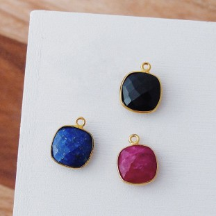 GOLD-PLATED STONES PENDANTS